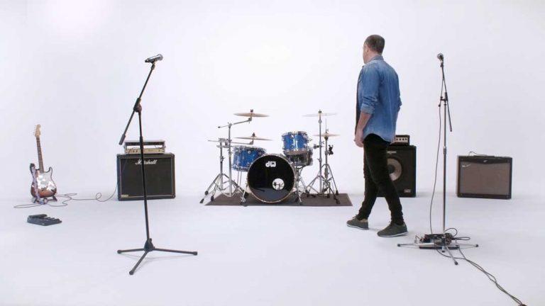 Coopoc---Días-de-Rock-(Videoclip-Oficial).mp4.01_00_39_01